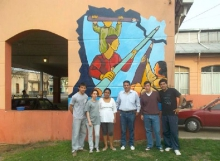 Jóvenes pintaron murales