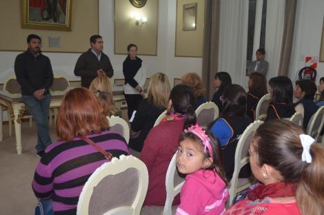 Reunión de A.P.A.C. (Asociación de Peluqueros de Corrientes) con el intendente Irigoyen