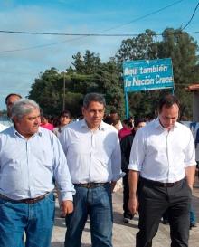 Lalo Domínguez junto a  Camau Espínola recorrieron el barrio INVICO