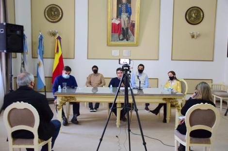 En conferencia de prensa Irigoyen dio detalles sobre las cuentas municipales y anunció descuentos impositivos