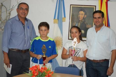 El intendente recibió a los campeones nacionales de tenis
