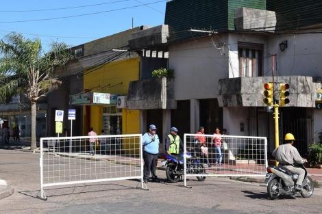Berón de Astrada entre Rodríguez Peña y Duarte Ardoy cortada por bacheo