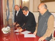 Domínguez firmó un convenio con Instituto Superior