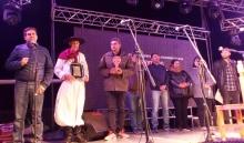 """El intendente entregó un reconocimiento a Juancito Güenaga y destacó al Festival Chamamecero """"De Pandorga y Miel"""""""