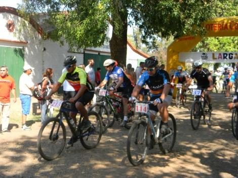 El Municipio acompañando a los deportistas en el Campeonato de Mountain Bike