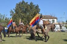 Acompañando la tradicional Cabalgata Patriótica Yapeyú