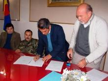 Firma de convenio con el Ejército y el Club Victoria