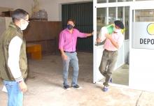 La Secretaría Municipal de Producción entregó avena a pequeños productores