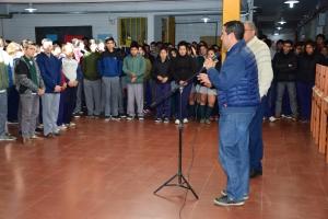 El intendente José Irigoyen entregó mesas y sillas nuevas para el Colegio General Manuel Belgrano