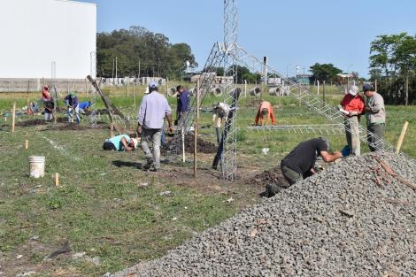 Comenzó la construcción de diez viviendas en el barrio René Borderes