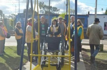 Hamacas para discapacitados en Plazoleta Italia