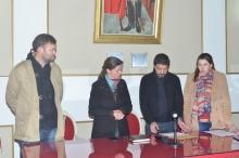 Apertura de sobre por el servicio de sonido para el 6º Festival Provincial Tarragosero