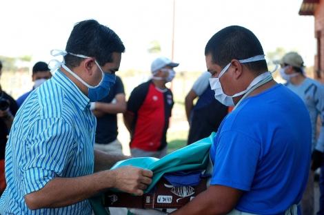 Irigoyen entregó indumentaria nueva al personal de PLAMARES