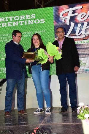 El intendente Irigoyen entrega reconocimiento a la taekwondista Ximena Silva