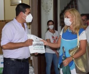 Entregan elementos sanitizantes para escuelas curuzucuateñas